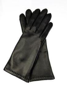 f62b873a6915d Eleganckie damskie skórzane rękawiczki zimowe - klasyczny model za  nadgarstek